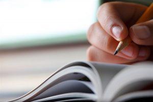 lapis caderno verbos irregulares em ingles
