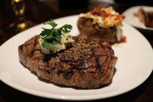 steak cow well done bem passado bife de vaca