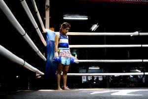 fight one's corner significado
